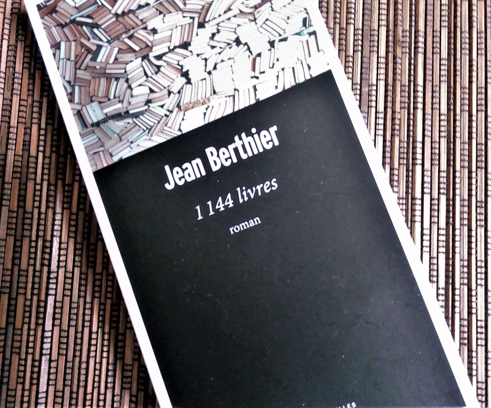 1144 livres de Jean Berthier collection 'passe-murailles' chez Robert Laffont