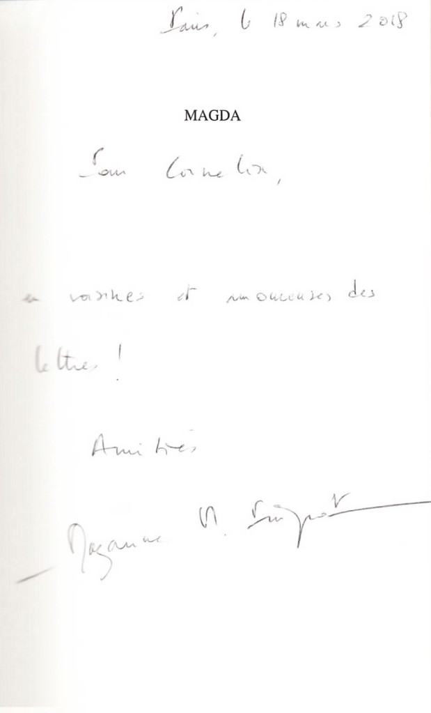 dédicace de Mazarine Pingeot pour son livre Magda